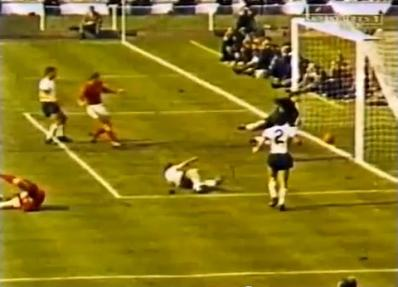 Финал ЧМ 1966. Третий гол англичан