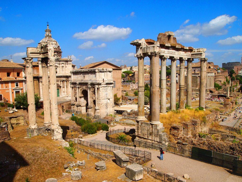 Римский форум в Италии